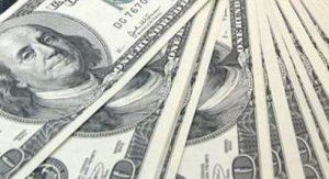 Dólares 100