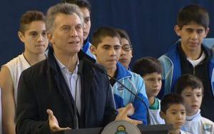 Macri anunció la devolución de 40% del pago del servicio de luz para clubes de barrio