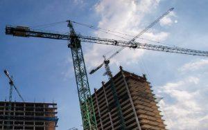 Construcción bajo 13 % en mayo