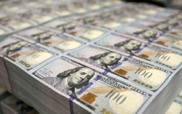 dólares de 100