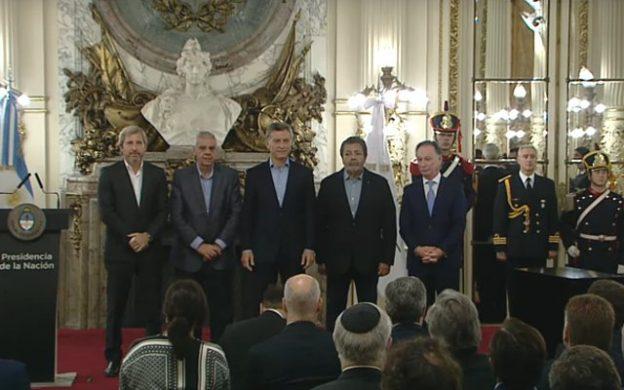 Mauricio Macri en el acto por la firma del Acuerdo Federal por la Construcción en Casa Rosada