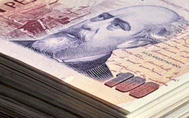 billetes de 100 pesos argentinos