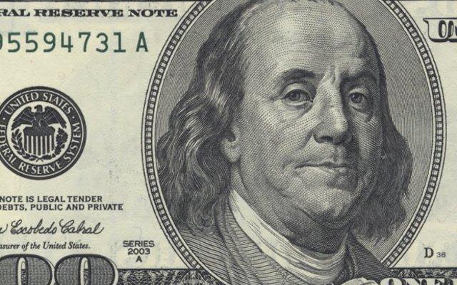 Detalle dólar de $100