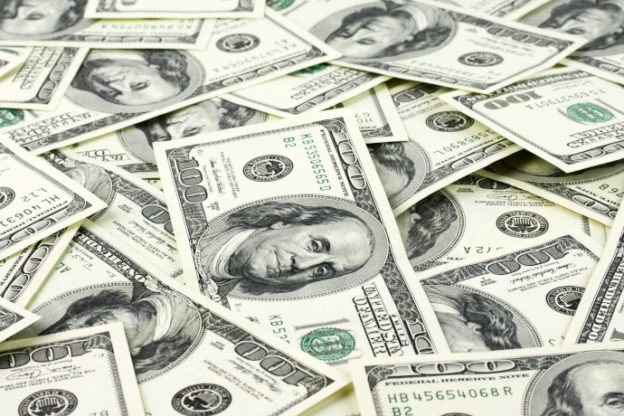 billetes de dólar de 100